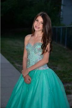 Charlotte celebrated her Bat Mitzvah by wearing multiple dresses thanks to her Mom who owns Charlotte's Closet where you can rent dresses at great prices. To learn more about this story, visit www.mitzvahmarket.com.
