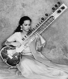 ஜ۩۞۩ஜ ஜ۩۞ Anushka ஜ۩۞۩ஜ ஜ۩ Sitar Instrument, Rock And Roll, Indian Musical Instruments, Art Of Noise, Music Classroom, Classroom Decor, Pose For The Camera, World Music, Spirituality