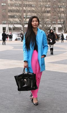 wear two bright, solid, contrasting colors together with black everything else = instant, easy colorblocking