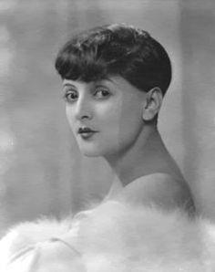LYA DE PUTTI actriz cinematográfica húngara de la época del cine mudo, conocida por su interpretación de personajes de mujer fatal.