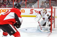 OTTAWA, CANADA - OCTOBER 18: Goalie Mike Smith #41 of the Arizona Coyotes makes a save against Tom Pyatt #10 of the Ottawa Senators during an NHL game at Canadian Tire Centre on October 18, 2016 in Ottawa, Ontario, Canada. (Photo by Francois Laplante/FreestylePhoto/Getty Images)