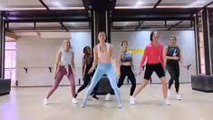 Girls Dance Fitness video Workout for Beginners Zumba Videos, Zumba Workout Videos, Gym Workout Tips, Aerobics Workout, Fun Workouts, Aerobic Exercises, Exercise Dance Videos, Dance Workouts, Dumbbell Workout