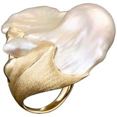 Wave Baroque Freshwater Pearl 18 Karat Gold Ring by Layani Fine Jewelry Jewelry Show, Pearl Jewelry, Diamond Jewelry, Gold Jewelry, Jewelry Accessories, Vintage Jewelry, Fine Jewelry, Jewelry Design, Unique Jewelry