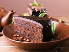 Σοκολατένιο κέικ με λίγες θερμίδες: Εύκολη και γρήγορη συνταγή! Something Sweet, Chocolate, Cooking Tips, Banana Bread, Pudding, Sweets, Baking, Instagram, Ethnic Recipes