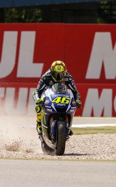 """""""Valentino Rossi ~ 46 """" Motogp Valentino Rossi, Valentino Rossi 46, Gp Moto, Moto Car, Drag Racing, F1 Racing, Ducati, Yamaha, Velentino Rossi"""