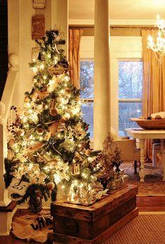 Farmhouse Christmas Tree. Farmhouse Christmas Tree Decor. Farmhouse Christmas…