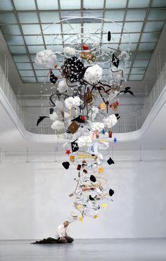 Creative Sculpture, Gilles, Barbier, and Drunkard image ideas & inspiration on Designspiration Land Art, Illusion Kunst, Instalation Art, Foto Poster, Art Plastique, Public Art, Contemporary Artists, Oeuvre D'art, Sculpture Art