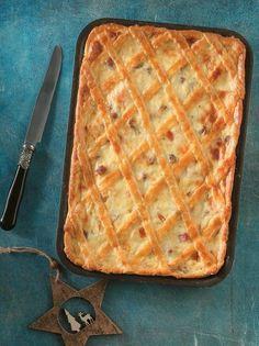 Πίτα με κολοκύθα και καπνιστό τυρί #πίτα #κολοκύθα Savory Tart, Kai, Waffles, Oven, Rolls, Health Fitness, Dinner, Breakfast, Recipes