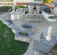 Custom Outdoor Kitchens - LuxHomes.com - The world's #1 site for luxury home connoisseurs Newcreationshomeimprovements.com