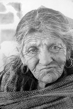 Amazing highly detailed pencil drawings, the work of Scottish artist Paul Cadden. Every hair, wrinkle and expressive eyes in this image has been drawn by hand, mainly with a pencil, in a pain-staking process which takes up to six weeks to produce a single picture.  Also animals, street scenes, old car . . . Amaziing!