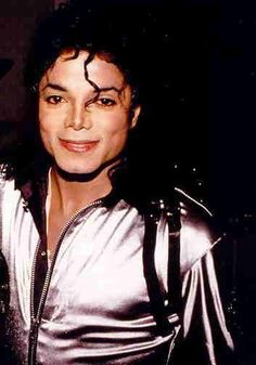 Michael Jackson World Music Awards 2006 (Gif Made By Veronica D'Angelo) Photo: This Photo was uploaded by Find other Michael Jackson W. Michael Jackson 1987, Michael Jackson Photoshoot, Janet Jackson, Mj Bad, World Music Awards, Michael Love, King Of Music, The Jacksons, Beautiful Smile