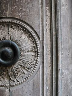 ♅ Detailed Doors to Drool Over ♅ art photographs of door knockers, hardware & portals - carved Door Le Vieux Logis, Door Knobs And Knockers, Door Detail, Grey Doors, Acanthus, 50 Shades Of Grey, Rustic Elegance, Windows And Doors, Architecture Details
