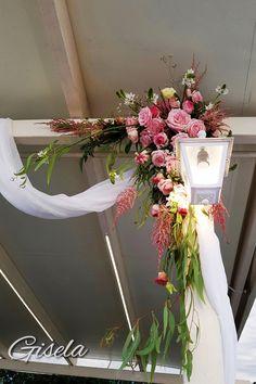 Gisela - Αποξήρανση ανθοδέσμης Wedding Decorations, Wreaths, Home Decor, Decoration Home, Door Wreaths, Room Decor, Wedding Decor, Deco Mesh Wreaths, Home Interior Design