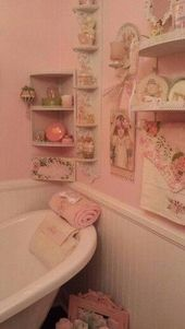 Decor shabby chic Over-the-top girly pink bathroom Over-the-Top girly rosa Badezimmer Vintage Bathrooms, Chic Bathrooms, Rustic Bathrooms, Shabby Chic Pink, Shabby Chic Decor, Vintage Decor, Vintage Pink, Deco Retro, Diy Bathroom Decor