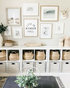 The worst decorating mistakes and how to fix them - walls - 804 Sycamore Playroom Design, Playroom Decor, Bedroom Decor, Kids Playroom Storage, Modern Playroom, Teen Bedroom, Cube Shelves, Cube Storage, Toy Storage