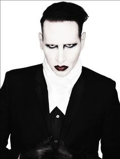 Marilyn Manson, I love this look I can feel his stare in my soul