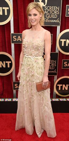 Julie Bowen was perfectly pretty in an embellished sheer Georges Hobeika gown at the SAG Awards 2015.