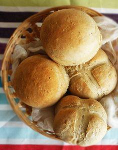 Przepis na nocne bułeczki pszenne. Sprawdź nasze przepisy i smakowite historie. Pokazujemy, że pieczenie domowego pieczywa nie jest trudne.