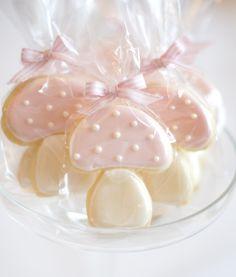 Sweet little mushroom Iced Sugar Cookies Pink Cookies, Galletas Cookies, Cake Cookies, Christmas Sugar Cookies, Christmas Cupcakes, Christmas Desserts, Christmas Baking, Unicorn Food, Panda Cupcakes