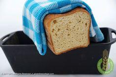 Crispy, soft and chewy bread baked in a cast-iron baking pan (gluten-free sandwich bread). Gluten Free Sandwich Bread Recipe, Gluten Free Sandwiches, Gluten Free Recipes, Baking Pans, Bread Baking, Millet Flour, Tasty, Homemade, Cast Iron