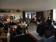C'est « the » restaurant du moment, côté banlieue nord. Une table signée Philippe Starck pour la déco et Philippe Amzalak, son partenaire de Bon, pour la gestion...