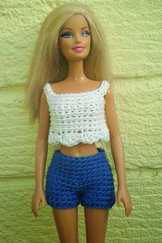 Lyn's Dolls Clothes: Barbie crochet shorts and cropped top - free patte. Linmary Knits: short en crochet et top court best ideas about Crochet barbie Sew seam of shorts. Neaten all ends. Barbie can step out in style with her new Crochet Wardrobe.crochet t Crochet Barbie Patterns, Barbie Clothes Patterns, Crochet Barbie Clothes, Doll Clothes Barbie, Crochet Doll Pattern, Crochet Dolls, Clothing Patterns, Doll Patterns, Dress Patterns