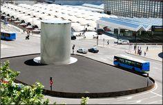 Monumento a las victimas de los atentados terroristas del 11 de marzo de 2004. Estación de Atocha. Madrid, Skyline, Marina Bay Sands, Building, Travel, Temples, Spaces, Cities, Viajes