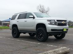 -6 inch Fabtech suspension lift -35 inch Toyo MT tires -20 inch XD Bomb wheels