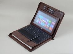 Surface Pro 4 Standing Leather Portfolio Case with Keyboard an Notepad Microsoft Surface, Surface Rt, Surface Laptop, Felt Case, Portfolio Case, Leather Portfolio, Boyfriend Birthday, Briefcase, Leather
