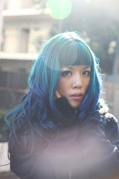 Blue hair, Harajuku street style snaps - Japanese modeling for fashion magazine photographer in Tokyo. More: http://www.lacarmina.com/blog/2014/02/ronan-farrow-daily-tv-show-japanese-photographer/   tokyo photographer studio portraits