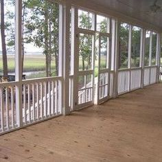 large screened in patio - what I wouldn't give. lh