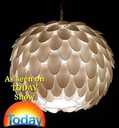 Plastiklöffel Runde hängende Licht Schatten von MelsCreativeDesigns, $75.00