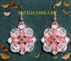 Aros pendientes ARTESANALES en flor cristal y salmón de cuentas facetadas y toupies . Handmade beaded earrings