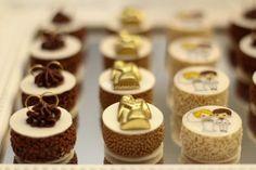 Camylla Pedrosa Doces Finos Wedding Desserts, Mini Desserts, Plated Desserts, Baking Recipes, Cookie Recipes, Dessert Recipes, Chocolate Pastry, Chocolate Chip Cookies, Chocolates