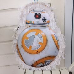 BB8 piñata for the Star Wars lovers😍