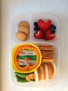 Snap peas, cucumber/carrot discs, cheddar cheese and Blue Diamond pecan thins, Tribe hummus, orange pepper, strawberries/blueberries, Nilla wafer cookies. #foodforharper #bento http://www.facebook.com/FoodForHarper @EasyLunchboxes