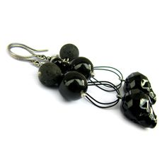Swarovski Skulls, onyx, lava and sterling silver - handmade earrings to find on: http://marisella.pl/kolczyki-z-czaszkami-swarovskiego-hima.html