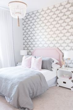 light and feminine bedroom decor ideas