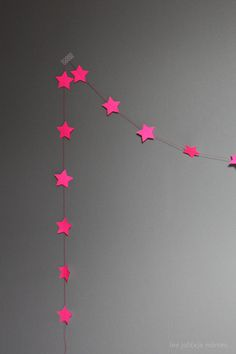 DIY pink star garland