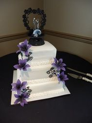 Tim Burton S The Nightmare Before Christmas Wedding Cake By Guys Found On Www Havifrost Because 2d Loves Pinterest