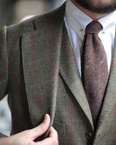 "thebespokedudes: ""Details of my new @edesim_napoli shetland suit. A true masterpiece, head to toe. Soon a detailed review on #thebespokedudes #thebespokedudes #edesim #schofieldandsmith #shetland..."