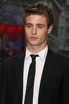 Max Irons sucker punch premiere | Max+Irons+Sucker+Punch+Premiere+Outside+Arrivals+-nfv2xFGdA9l.jpg
