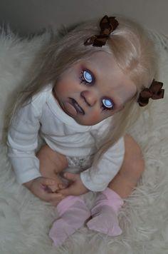 Dolls & Bears Strict Ashton Drake Sarah As Vampire Zombie Baby Oak Spooky Horror