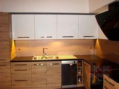 Lacobel to szkło często wykorzystywane jako panele kuchenne.