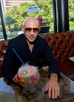 Pit at The a Sugar Factory in Vegas 8-5-17 Pitbull The Singer, Pitbull Rapper, Sugar Factory, Pit Bull, Vegas, Indian Beauty, Idol, Artist, Pictures