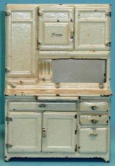 cast iron doll | Vintage Cast Iron Arcade Doll House Boone Kitchen Cabinet