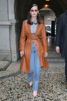 Bella Hadid Street Style - Bella Hadid's Hottest Looks Leather Jacket Outfit Spring, Trench Coat Outfit, Leather Trench Coat, Leather Jackets, Coat Dress, Trench Coats, Look Street Style, Street Style Summer, Bella Hadid Outfits