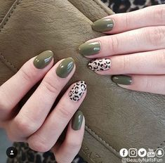 46 Cute Green Nail Art Designs Ideas To Try Although women tend to neglect their nails during the colder months, it is the most important time to take care … Love Nails, Pretty Nails, My Nails, Green Nail Art, Green Nails, Nail Art Vernis, Leopard Print Nails, Leopard Prints, Leopard Nail Art
