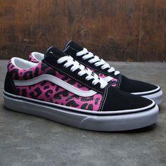 Vans Men Old Skool - Leopard (pink) Men's Vans, Vans Men, Custom Vans Shoes, Old Shoes, Hand Painted Shoes, Black Vans, Hype Shoes, Cool Things To Buy, Kicks
