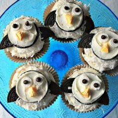 Making the cakes for my sweet friend who's daughter is turning 1...hmmmmm....Penguin Cupcakes